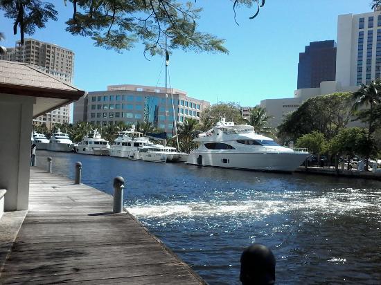 Hampton Inn Ft. Lauderdale /Downtown Las Olas Area: Riverwalk