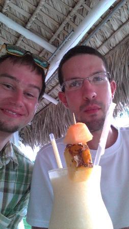 El Eden Hotel: we are having Piña colada in the restaurant