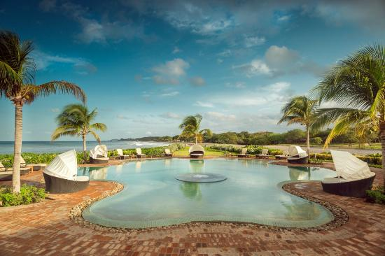 Rancho Santana: The Pool Bar & Cabanas at Playa Santana