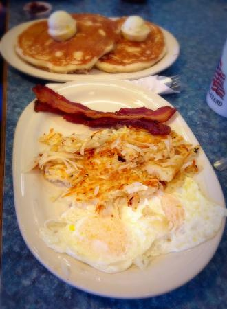 "Minute Cafe: ""Ditch Diggers"" Breakfast"