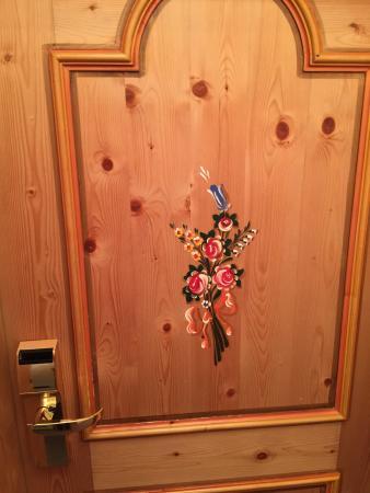 Hotel Galli: La porta della camera.