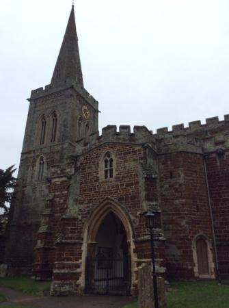Church of St. Mary the Virgin, Finedon: the main entrance to the siuth, from the lytch gate