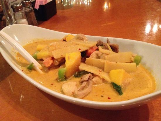 Siam Spice: Mango curry