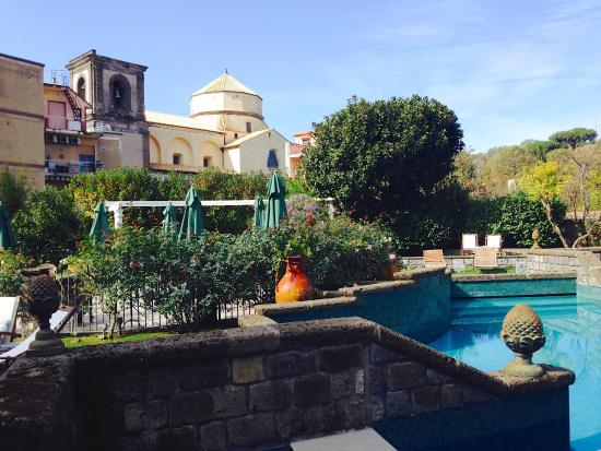 Don Alfonso 1890 Boutique Hotel: Beautiful Grounds