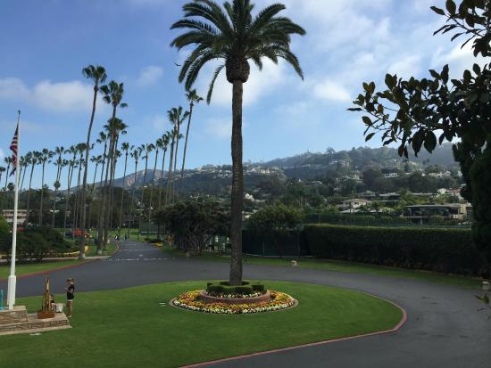 La Jolla Beach and Tennis Club: View from just outside room