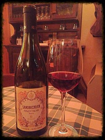 Il Covo: Grande vino !!!  Pinot noir riserva - Cantina Calun