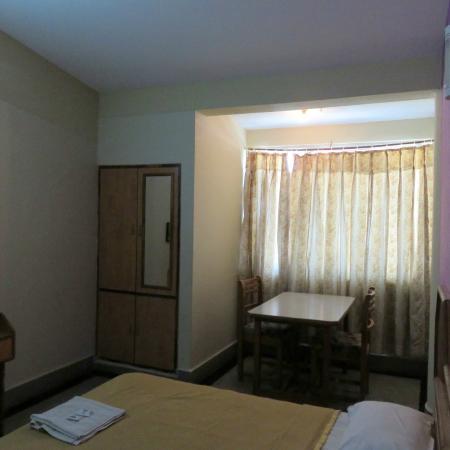Hotel Samrat: Room