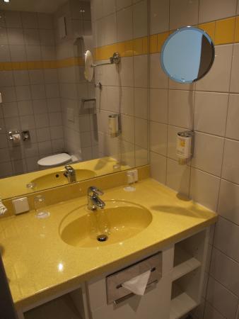 Gastehaus am RPTC: bathroom