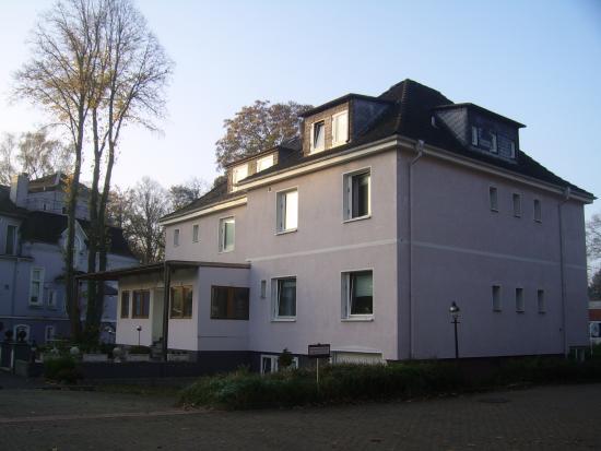 Hotel Schmidt: Achterzijde hotel hoofdgebouw