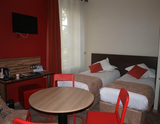 Quality Suites Lyon Confluence : Номер