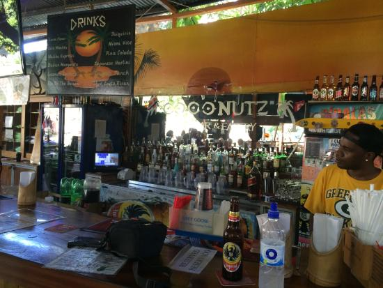 Coconutz Sports Bar & Eatery: Packers!