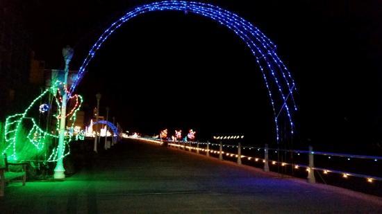 Hilton Virginia Beach Oceanfront : Boardwalk lights1