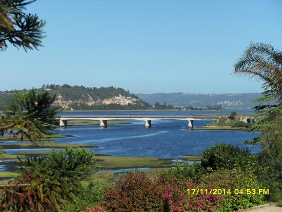 Knysna Riverside Lodge: View of the lake