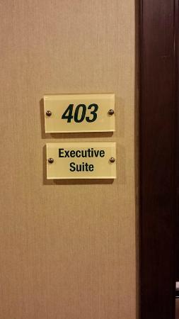 Kingsgate Hotel Doha: Suite 403