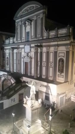 Domus Gemi B&B: Veduta dalla finestra (Chiesa san Gaetano)