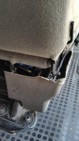 Bob's Limousines & Tours in Rome: Torn seating