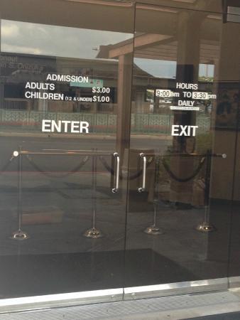Ellison S. Onizuka Space Center: Entrance