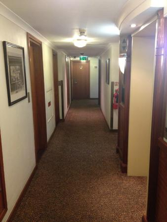 Millennium Hotel London Knightsbridge: Corridor