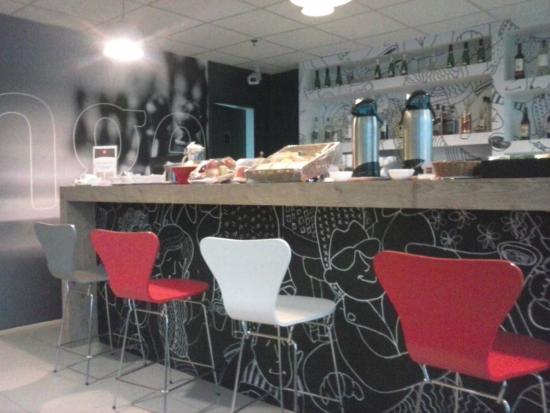 Ibis Salvador Aeroporto Hangar: Cafe da Manhã Despertador!!!