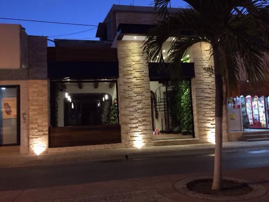 Girasoles Restaurante: Nuestra nueva fachada, los esperamos!!!!!