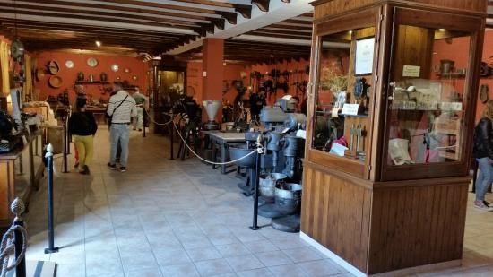 Museo Del Turron y Frabrica de Dulces y Mantecados Garrido