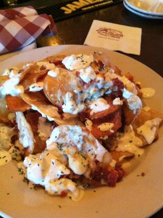 The Common Man Inn : Blue cheese chips - OMG!!