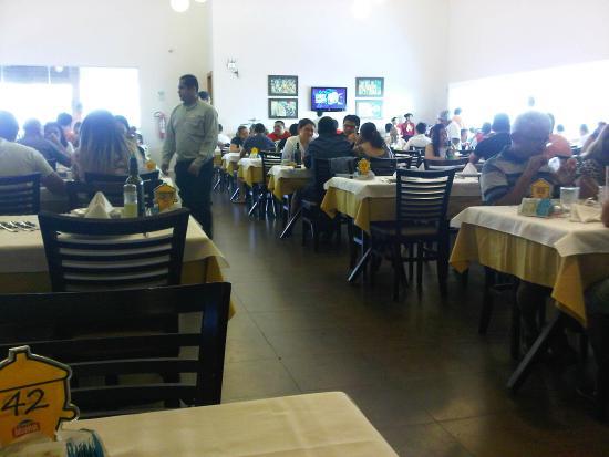 Picanha Mania: Big space like a cafeteria