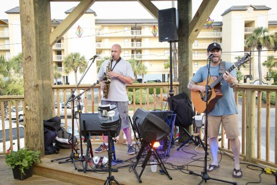 Loggerhead's Beach Grill: Live music on our outdoor band stand