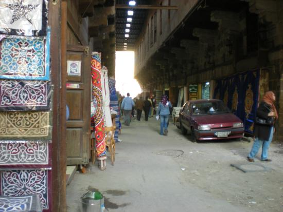 Sharia Al Mu'izz Li-Din Allah : Bazar de las telas en Sharia Al Muizz