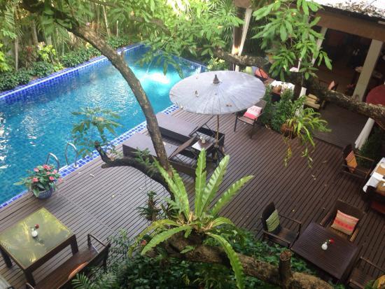 Baan Klang Wiang : View of pool area