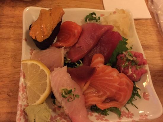 Tomoe Sushi: omg sooooo good