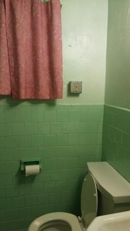 Apple Valley Motel : Bathroom