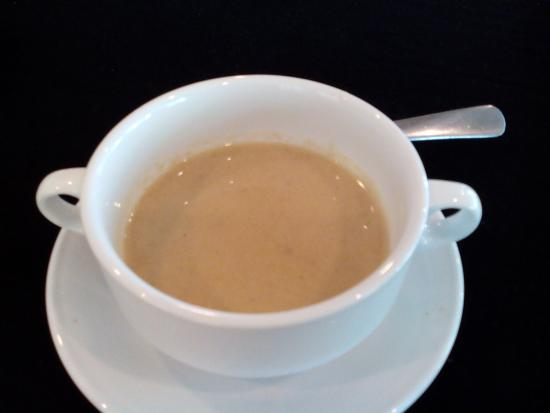 The Sunan Hotel Solo : mushrooms cream soup