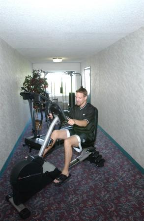 Fairbridge Inn & Suites: Fitness Center
