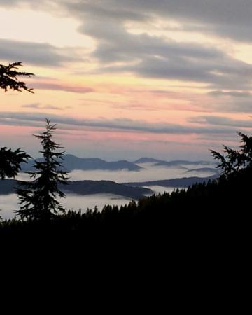 FairBridge Inn & Suites Kellogg: View of Mountains