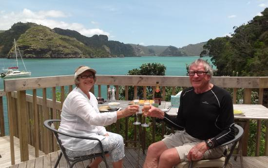 Kingfish Lodge : toasting 50 yrs on our personal deck