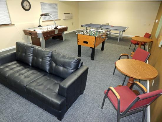 FairBridge Inn & Suites: Game/Movie Room