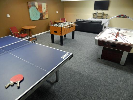 GuestHouse Inn & Conference Center Missoula: Ping Pong, Air Hockey, Foosball