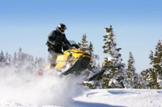 The Lodge at Lolo Hot Springs: Snowmobile