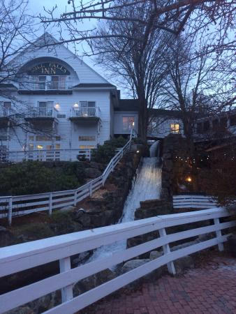 Mill Falls at the Lake: Nestle in a nice New England style town close to the lake