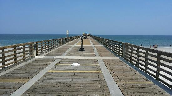 Jacksonville Beach, FL: Nice and clean pier...