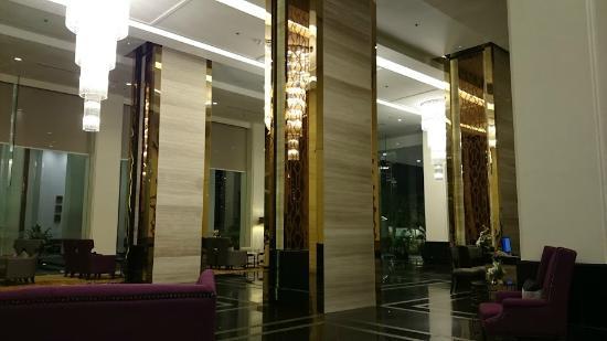 Grande Centre Point Hotel Ploenchit: Hotel view