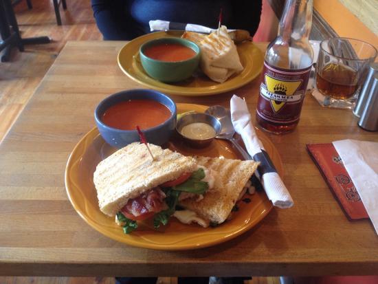 Harvest Cafe : Yummy BLT and tomato soup.