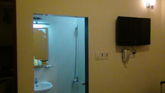 Beautiful Saigon Hotel: Bathroom