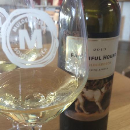 Mulderbosch Vineyards : Faithful Hound White blend