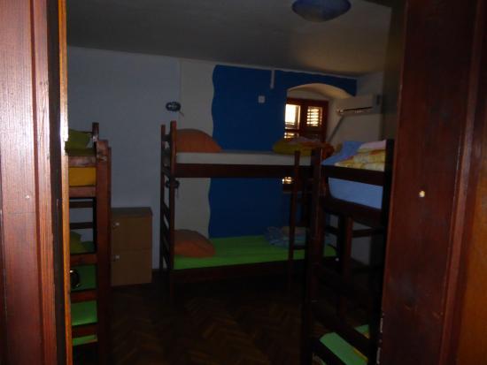 Montenegro Hostel Kotor : Another view of my dorm room