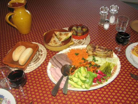 Matakohe B & B Petite Provence: Evening platters available