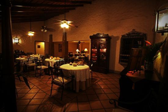 Hotel Los Robles: Restaurant