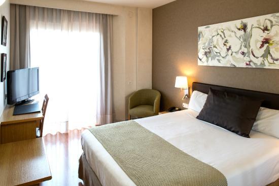 โรงแรมคาทาโลเนียอัลเบนิส