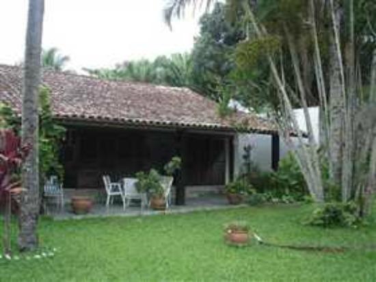 Vegetarian Guesthouse Araruama: hotyel veg quintal